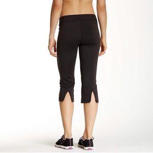 Lucy Lotus Collection Athletic Capris Pants Size M
